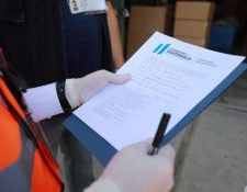 Las empresas deben de tramitar un nuevo permiso para el transporte de trabajadores durante la pandemia por el coronavirus. (Foto Prensa Libre: Hemeroteca PL)