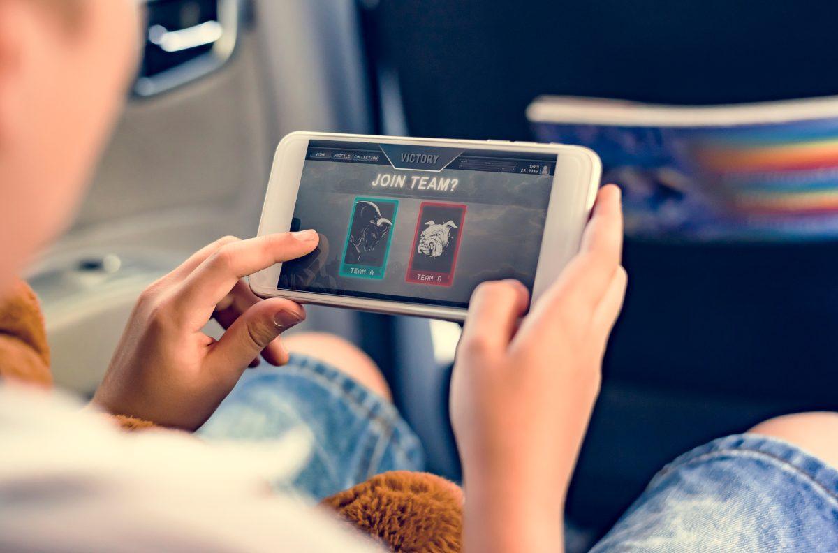 Cinco consejos para aliviar el enganche de los adolescentes a las pantallas tras el confinamiento