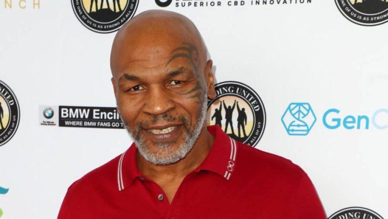 Tyson aseguró que está listo para un combate de exhibición contra el también estadounidense Roy Jones Jr. (Foto Prensa Libre: AFP)
