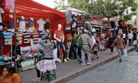 Ventas en la 18 calle y plaza de la economía informal, la Municipalidad autoriza vendedores a vender en estos lugares.   Fotografía. Erick Avila:               06/12/2018