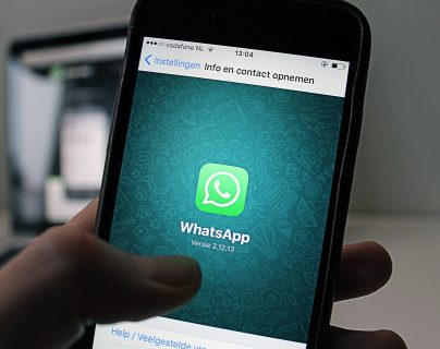 DownDetector reportó que WhatsApp sufrió una caída a escala mundial de sus servicios. (Foto Prensa Libre: Pixabay)