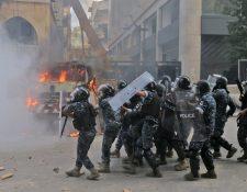 Las fuerzas libanesas se enfrentaron a los manifestantes. (Foto Prensa Libre: AFP)