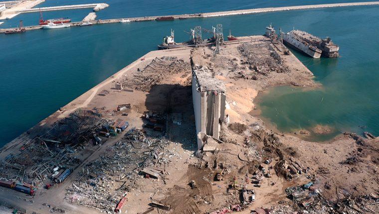Silo de grano de Beirut en el centro del sitio de la explosión.