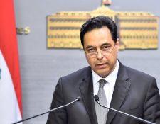 Diab hizo pública la renuncia del gabinete en pleno.