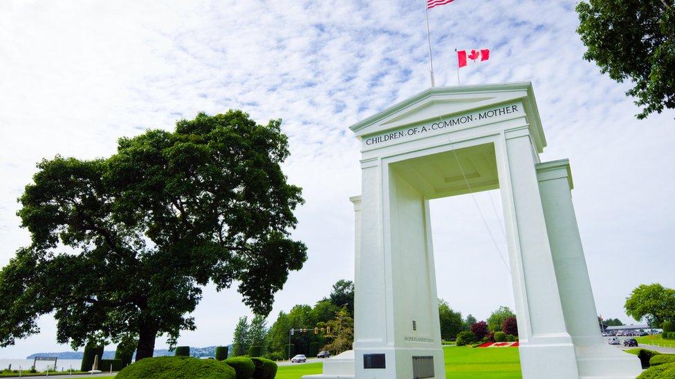 """""""Estadounidenses, vuelvan a su país"""": la tensión que se vive por la covid-19 en la frontera entre EE. UU. y Canadá"""