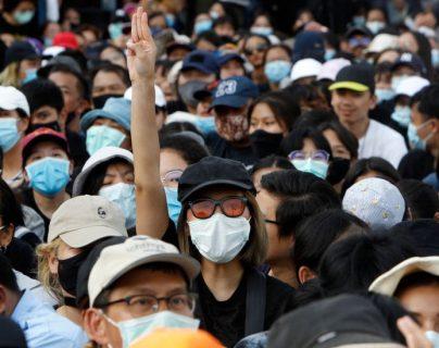 Las protestas prodemocracia en Tailandia están siendo lideradas por grupos estudiantiles.