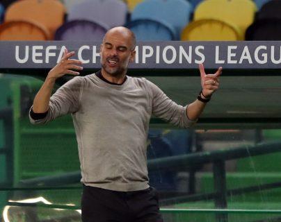 Pep Guardiola sufrió desde la banca la derrota del Manchester City frente al Lyon. Foto Prensa Libre EFE.