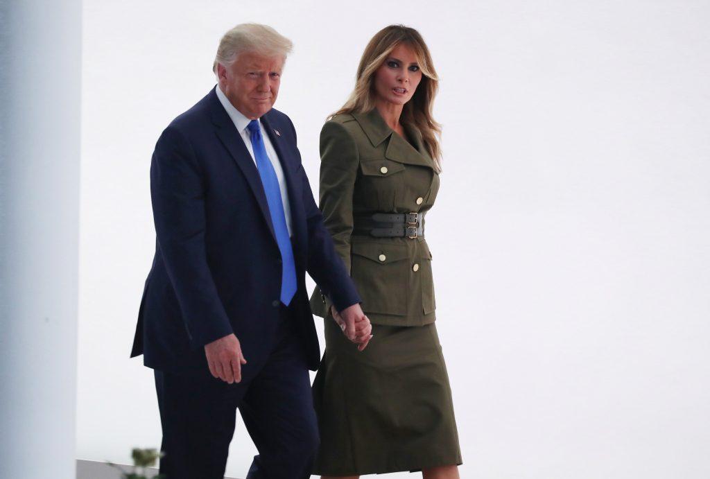 Trump, que ha tratado de disminuir la migración, da la nacionalidad a cinco inmigrantes durante la convención republicana