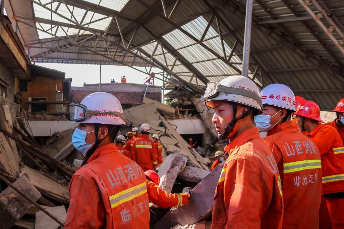 Al menos 17 muertos por el derrumbe de un restaurante en China