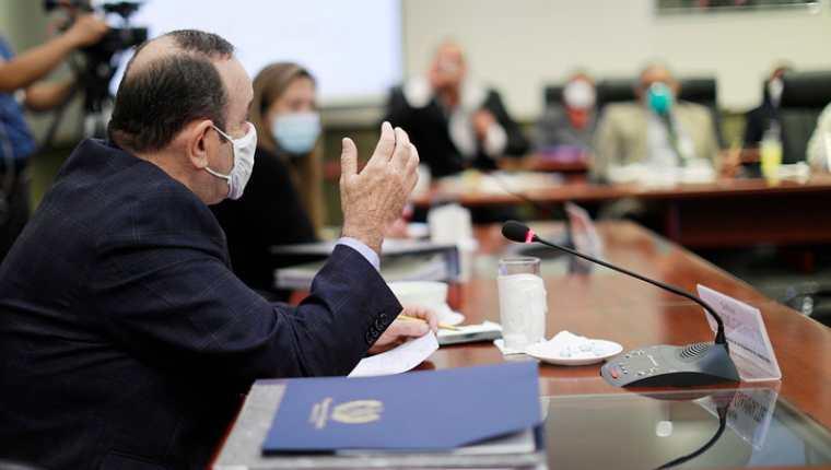 Presidente Alejandro Giammattei, en la reunión del 6 de agosto con alcaldes, donde dijo que el coronavirus en adelante será problema de los guatemaltecos. (Foto Prensa Libre: Presidencia)