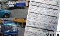 La Policía de Tránsito de Xela informó que sancionó al piloto del camión por obstruir el paso a la ambulancia conforme a la Ley de Tránsito. (Foto Prensa Libre)