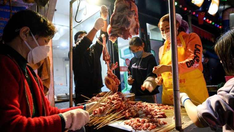Mercado de Whuhan, ciudad en donde ocurrió el brote de coronavirus. (Foto Prensa Libre: HemerotecaPL)