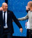 Zinedine Zidane y Pep Guardiola se saludaron antes y después del partido de la Champions League. (Foto Prensa Libre: AFP)