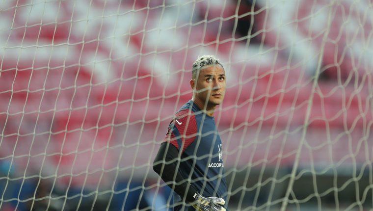 Keylor Navas, durante la práctica de este sábado, previo a la final de la Champions. (Foto Prensa Libre: AFP)