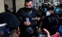 Sinibaldi fue trasladado a la Torre de Tribunales para resolver su situación legal. Foto Prensa Libre: AFP
