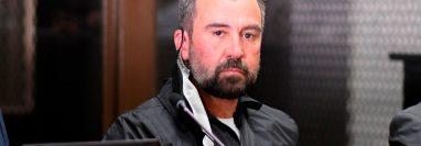 Alejandro Sinibaldi está señalado en cinco casos de corrupción. Se entregó a la justicia luego de permanecer cuatro años prófugo. Foto Prensa Libre: AFP.