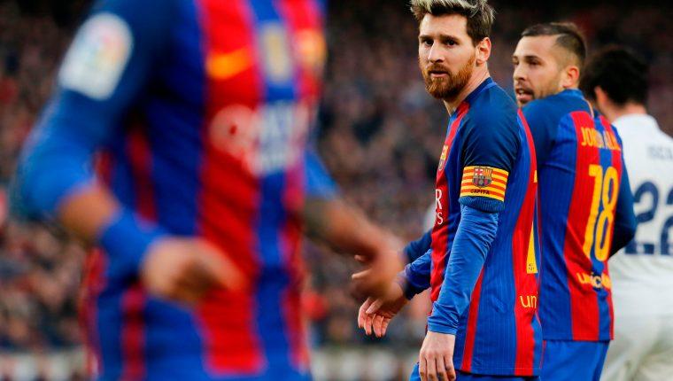 El futbolista argentino, Lionel Messi, notificó al FC Barcelona que se retiraba del club. (Foto Prensa Libre: AFP)