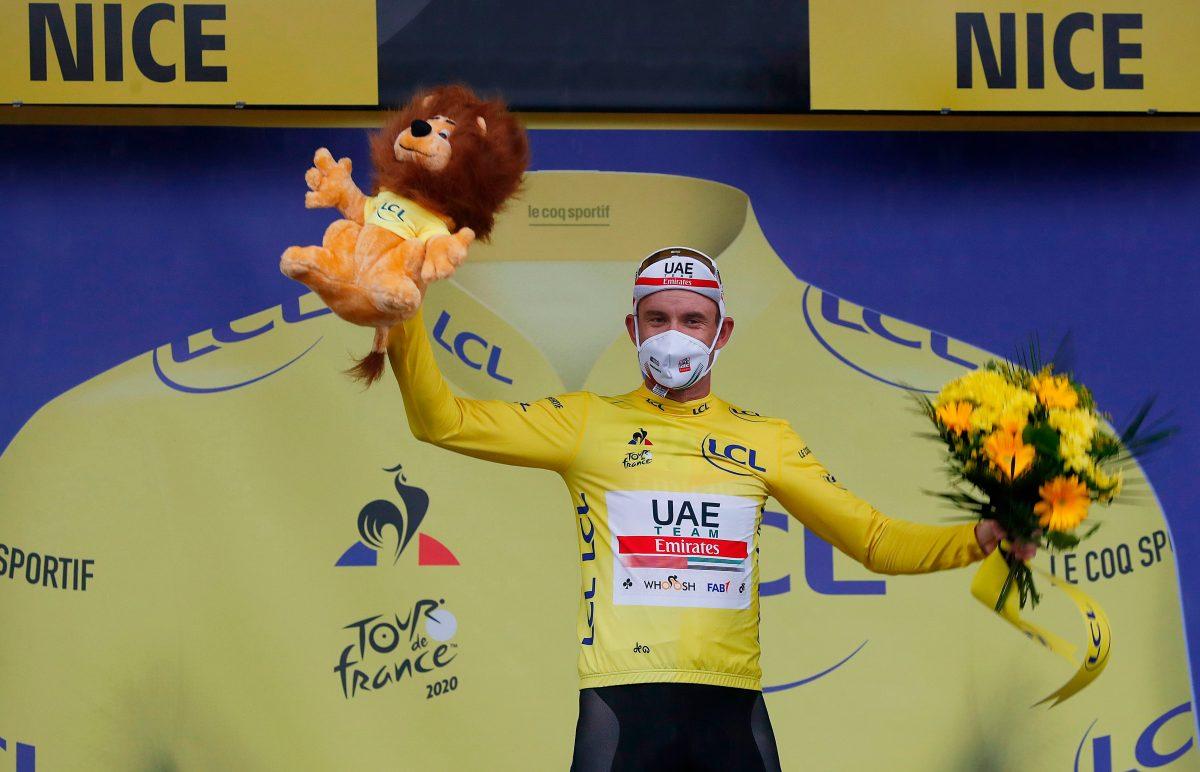 Kristoff gana la primera etapa del Tour y se enfunda el maillot amarillo