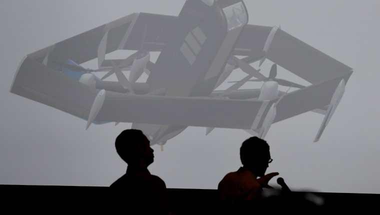 Amazon ya cuenta con autorización del Gobierno de Estados Unidos para hacer entregas mediante drones. (Foto Prensa Libre: AFP)