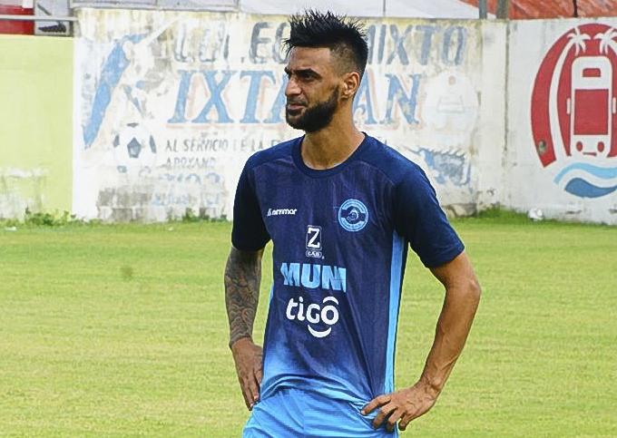 El uruguayo Waldemar Acosta cuenta cómo se siente de formar parte de Deportivo Iztapa