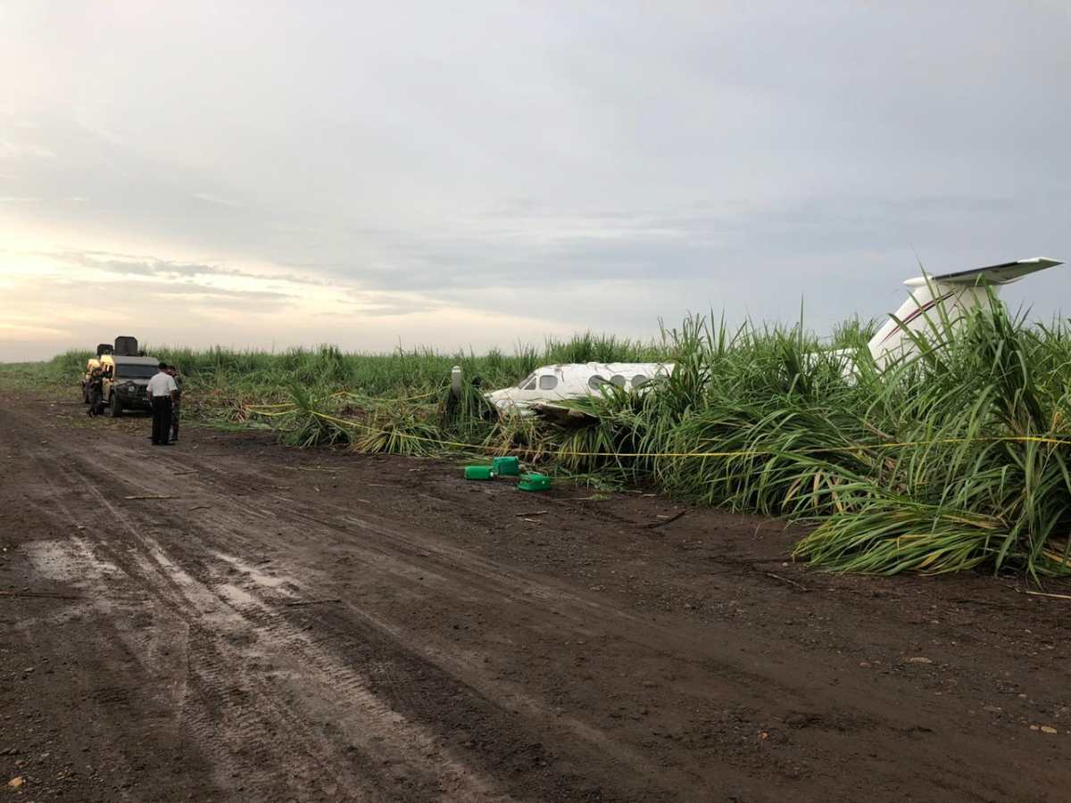 Hallan narcoavioneta abandonada en Suchitepéquez