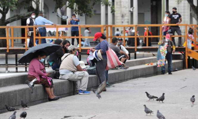 El Icefi propuso la continuidad del Bono Familia para las personas afectadas por el covid-19 para el ejercicio presupuestario 2021. (Foto Prensa Libre: Hemeroteca)