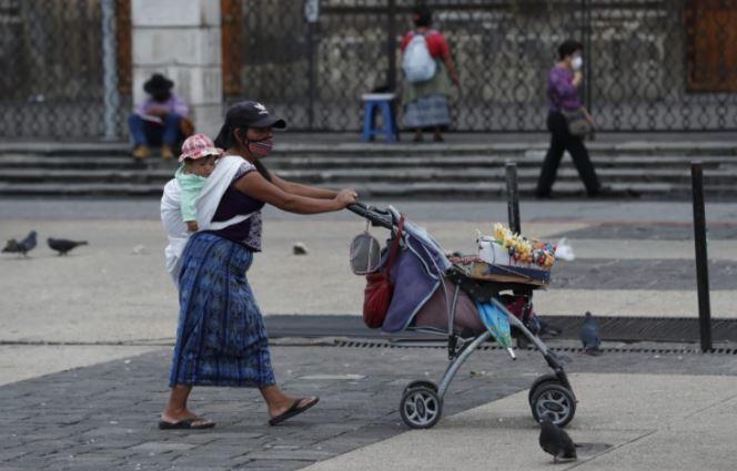Guatemala ha comenzado a reactivar su economía en medio de la pandemia por el coronavirus. (Foto Prensa Libre: Esbin García)