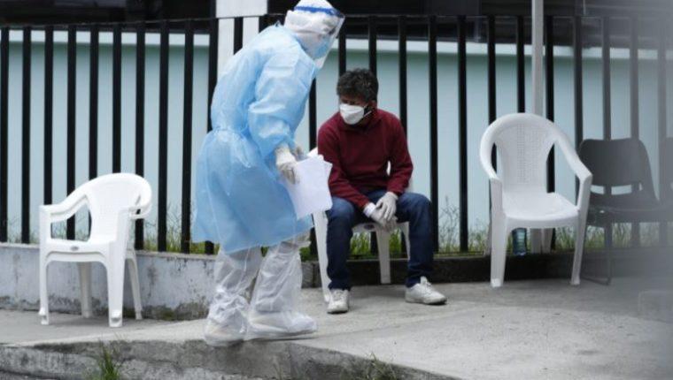 En Guatemala suman más de 76 mil casos de covid-19. Los medicamentos a los cuales se les puso precios máximos, según el Gobierno, sirven para contrarrestar los efectos de este virus. (Foto Prensa Libre: Hemeroteca PL)