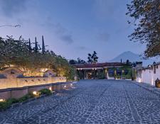 Varios Hoteles, como el Camino Real de Antigua, han reabierto servicios, pero operando parcialmente, otros se mantienen cerrados. (Foto, Prensa Libre: Cortesía Camino Real).