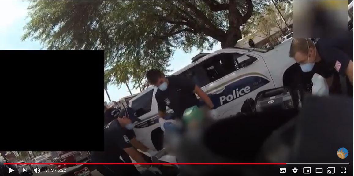 Video: fallece hispano que fue dejado por seis minutos sobre el asfalto caliente durante su arresto en Arizona