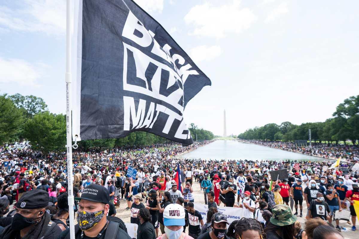 """Del """"Tengo un sueño"""" a """"No puedo respirar"""": Miles se manifiestan en Washington contra la brutalidad policial"""