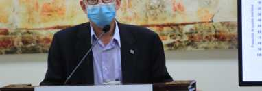 Edwin Asturias, director de la Coprecovid, brinda detalles del avance del coronavirus en Guatemala. (Foto Prensa Libre: Byron García)