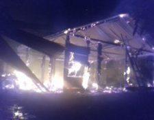 Denuncian quema de viviendas y desalojos de familias en Alta Verapaz. (Foto, Prensa Libre: Twitter Cuc).