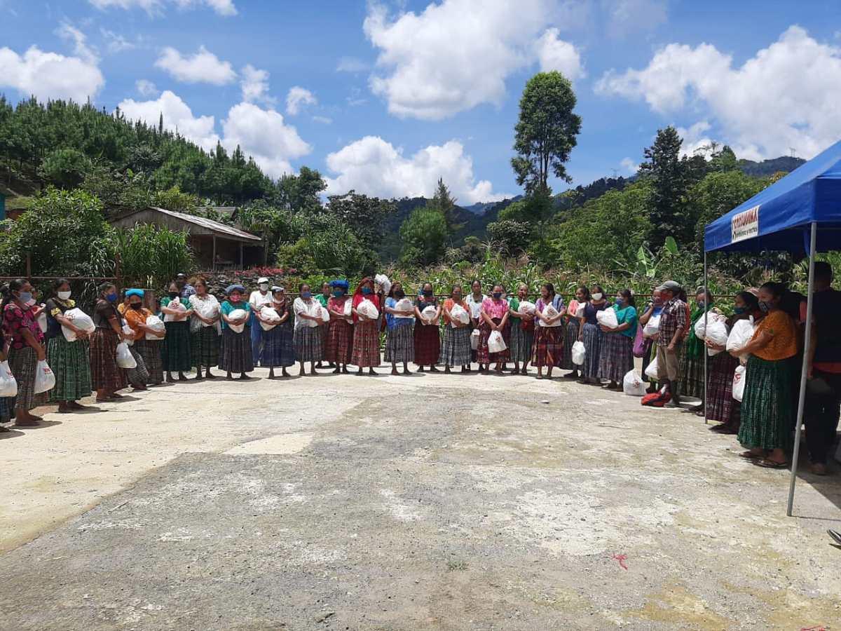 Ferromax realiza entrega de donativos a las familias guatemaltecas