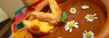 La gallina en mole es uno de los platillos más emblemáticos de San Marcos, según el chef Víctor Mario González Echeverría. (Fotografía Prensa Libre, Víctor Mario González Echeverría)