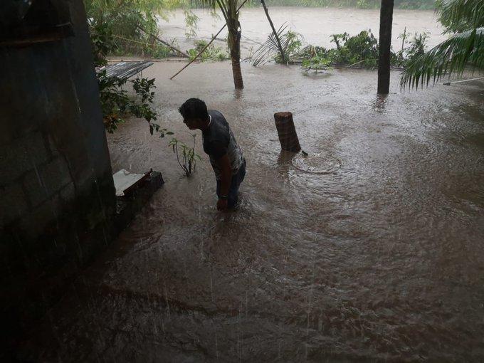 Lluvias asociadas a la depresión tropical 14 dejan una mujer muerta, una niña desaparecida y casas inundadas