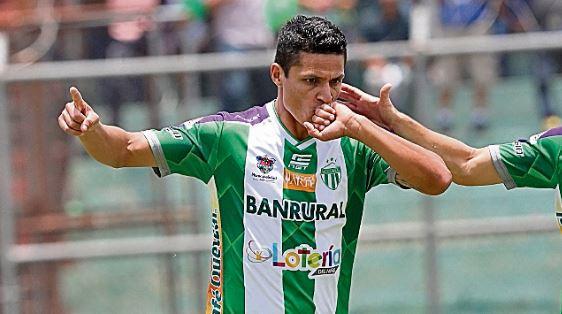 Jairo Arreola está feliz de volver a jugar futbol después del parón por el coronavirus. (Foto Prensa Libre: Hemeroteca PL)
