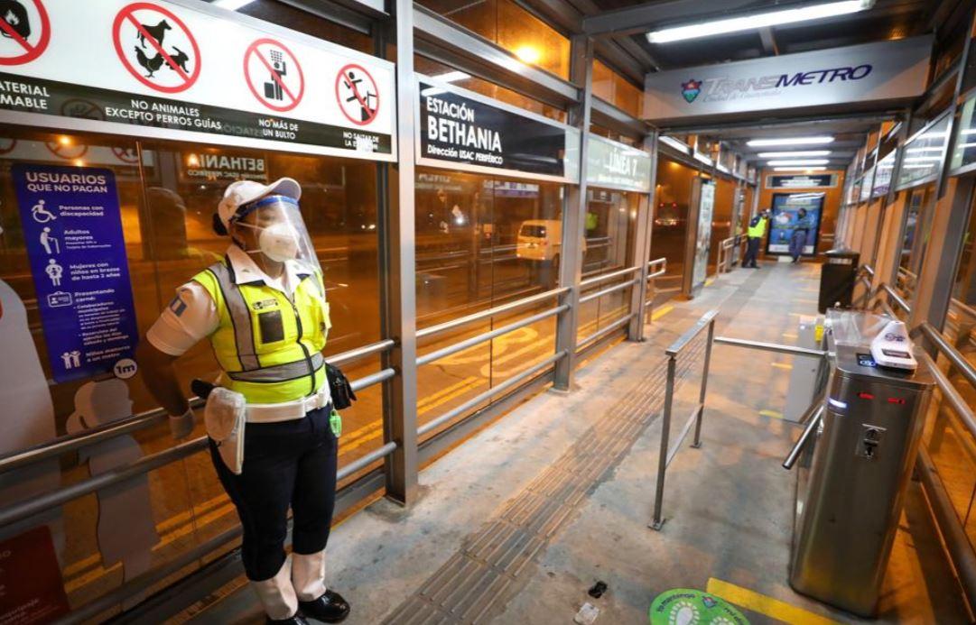 Línea 7 del Transmetro reanuda operaciones en medio de protocolos para prevenir el coronavirus