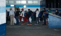 Guatemaltecos deportados desde EE. UU.  En la actual crisis por el covid-19 Conamigua ha atendido a los retornados. (Foto HemerotecaPL)