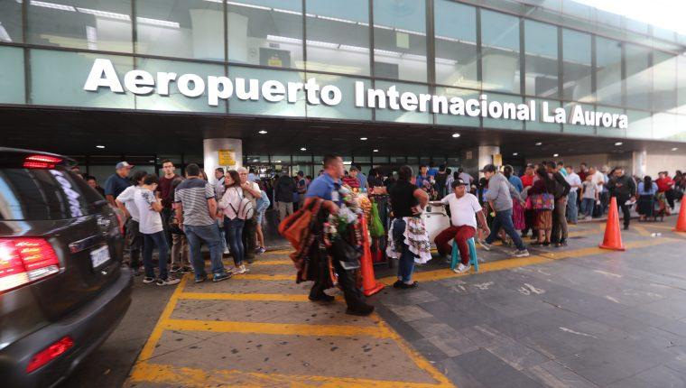 """El aeropuerto La Aurora continúa en reordenamiento y no permitirá ventas ambulantes """"por salud"""" y así evitar contagios de coronavirus"""