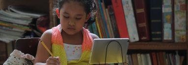 Las clases virtuales se implementaron desde marzo del 2019 por la pandemia del coronavirus en Guatemala. (Foto Prensa Libre: Érick Ávila)