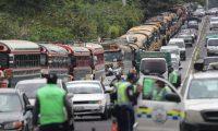 El sistema de transporte público en la ciudad no ha recibido el visto bueno para su reactivación por temor a que sea foco de contagio por la pandemia, así como desacuerdos en el costo de su tarifa. Fotografía: Prensa Libre.