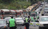 Autobuses han presionado por obtener el aval de cobrar el doble de la tarifa. (Foto Prensa Libre: Hemeroteca PL)