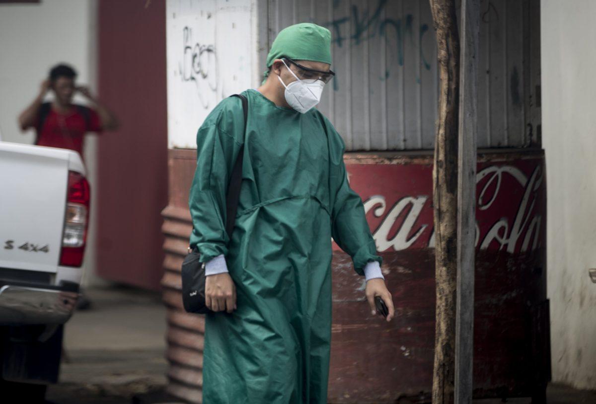Régimen de Ortega está interesado en fabricar la vacuna rusa contra el coronavirus