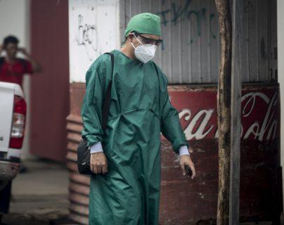 La pandemia de coronavirus no da tregua en Nicaragua, donde autoridades muestran interés en fabricar una vacuna rusa contra la enfermedad. (Foto Prensa Libre: EFE)