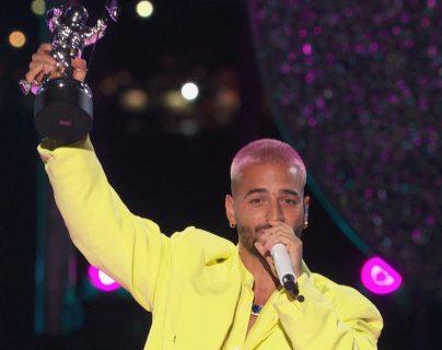 """Maluma interpretó su reciente tema """"Hawái"""" y ganó el premio a mejor canción latina por """"Qué pena"""". (Foto Prensa Libre: EFE)."""