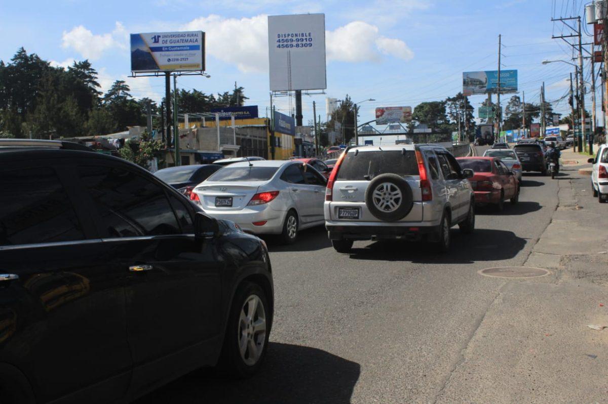300 mil vehículos transitan en la ciudad el primer sábado sin restricciones por la pandemia