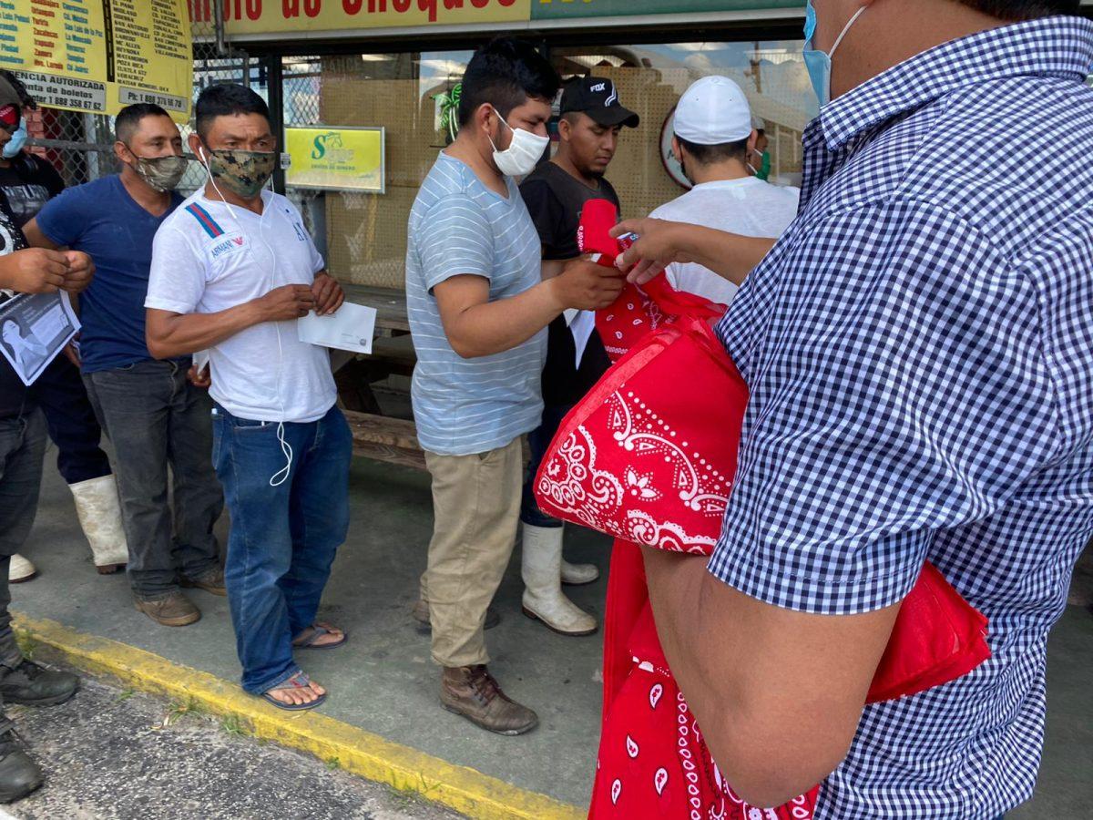 Guatemaltecos en Indiantown se tienden la mano para enfrentar la pandemia