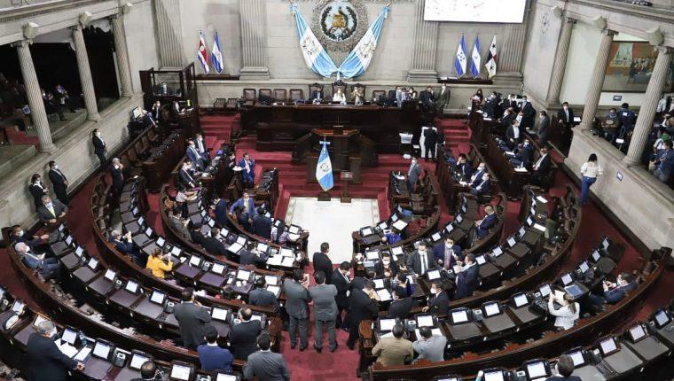 Cerca de cinco horas duro la sesión para ratificar el Estado de Calamidad solicitado para mitigar la crisis del coronavirus. Fotografía: Congreso.