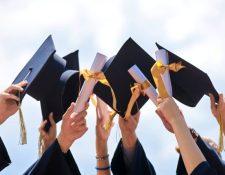El coronavirus modifica la forma en que los estudiantes deben graduarse de nivel medio. (Foto Prensa Libre: Hemeroteca PL)